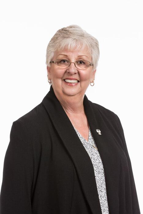 Sandy Mahar : Accounting Specialist